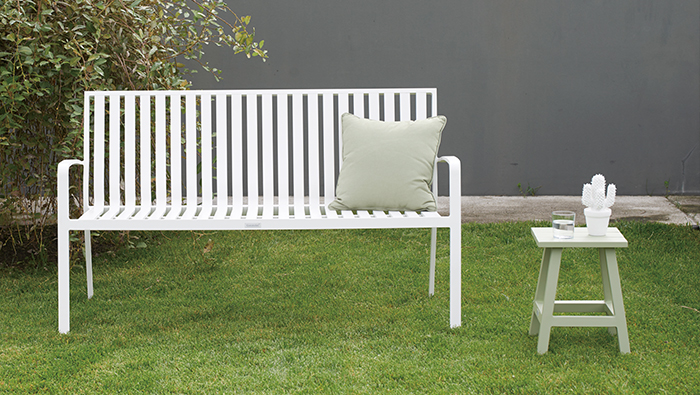 High Quality Garden Furniture Presentation